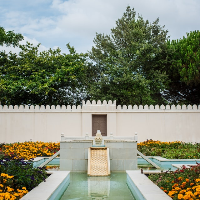 We make your garden beautiful by installing the fountains, pools, ponds, rills, artificial waterfall and streams.